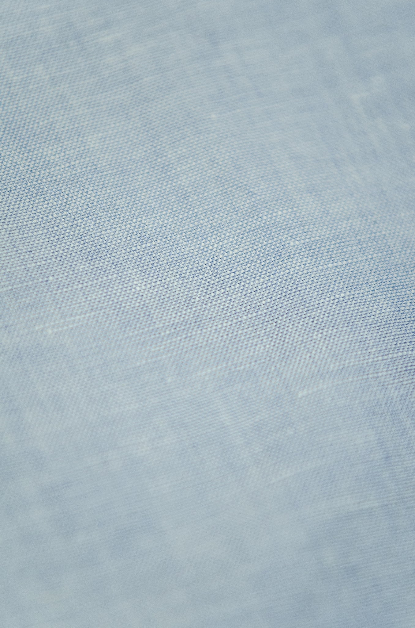 Clodoveu long-sleeved shirt in master oxford linen (sky blue)