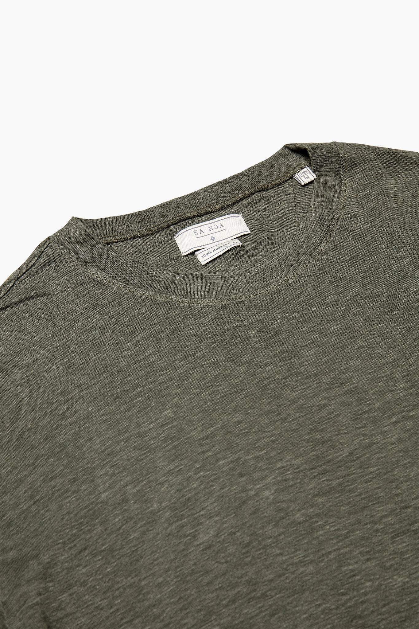 Eliè long-sleeved t-shirt in light linen jersey (foliage green)