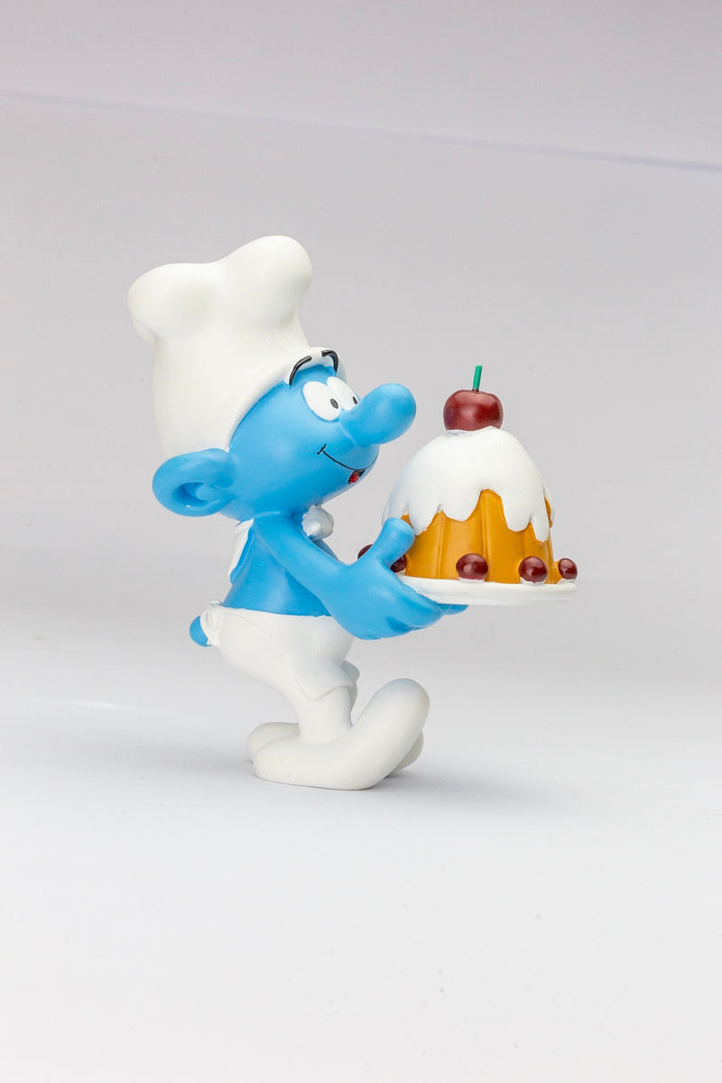 Plastoy The Smurf Chef with cake h11cm