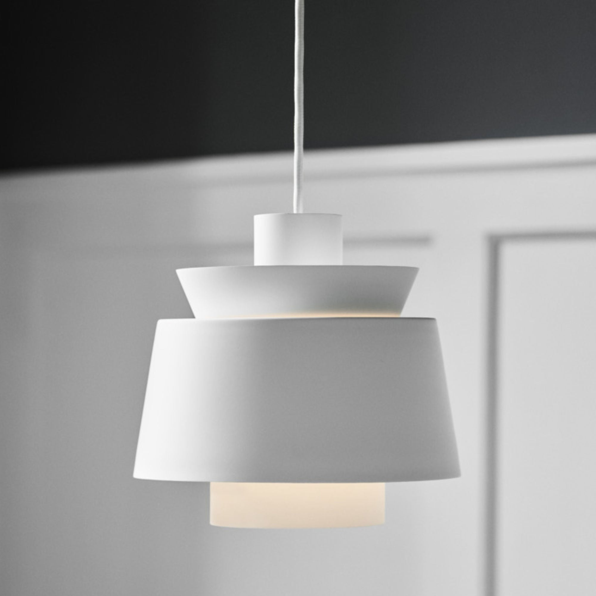 &Tradition JU1 Utzon pendant, white