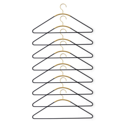 Menu Ava Hanger, black brass, set of 8