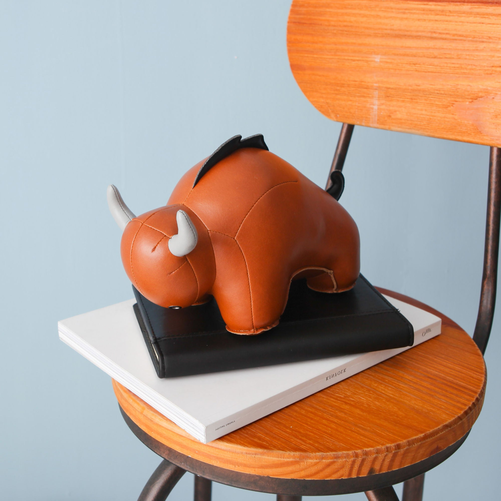 Zuny Bull Buloo Bookend , Tan/Grey