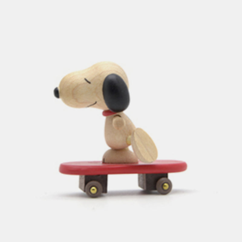 Skateboard Snoopy Music Box