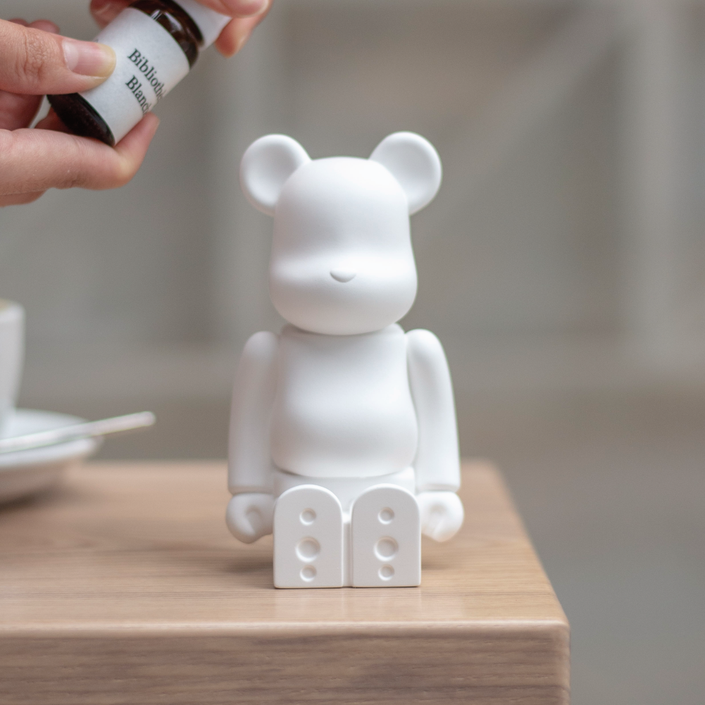 Bibliotheque Blanche x Medicom BE@RBRICK Aroma Ornament #00