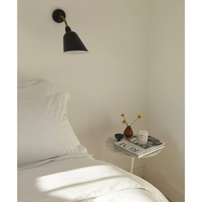 AJ9 Bellevue wall lamp, black - brass