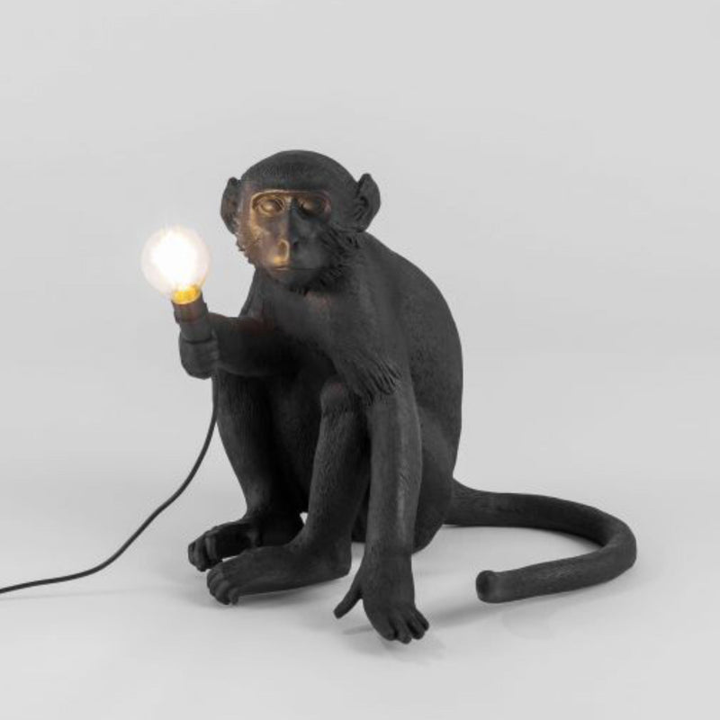 Seletti The Monkey Lamp Black , Sitting