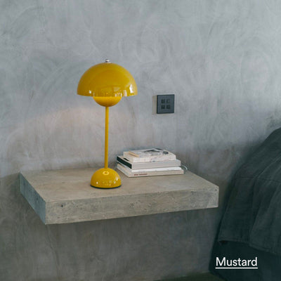 &Tradition Flowerpot VP3 table lamp