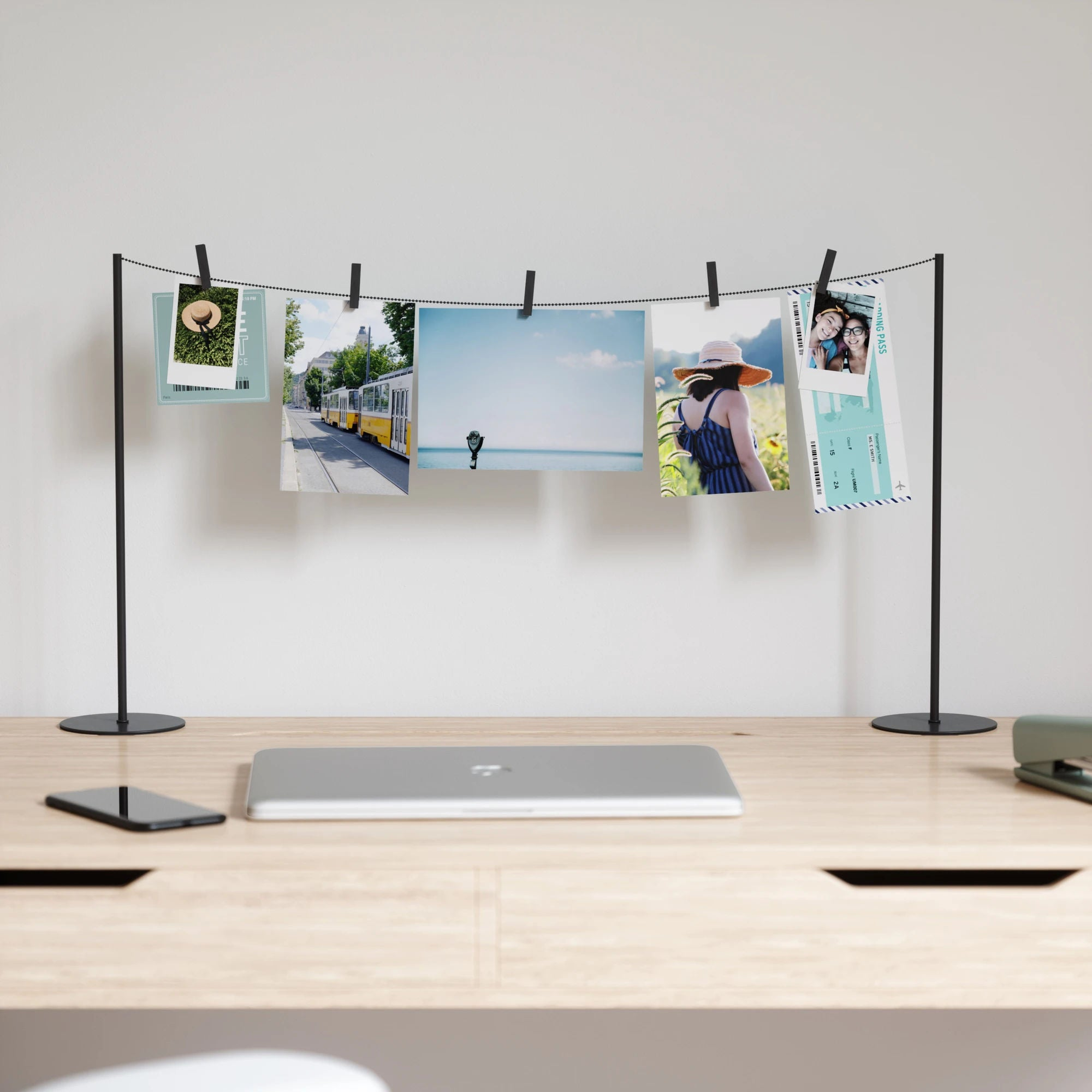 Umbra Hangit Desktop Metal Photo Display , Black