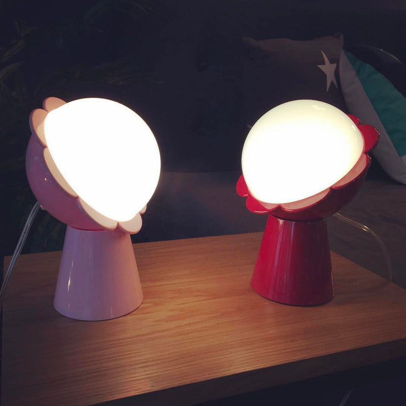Qeeboo Daisy Table Lamp , Red