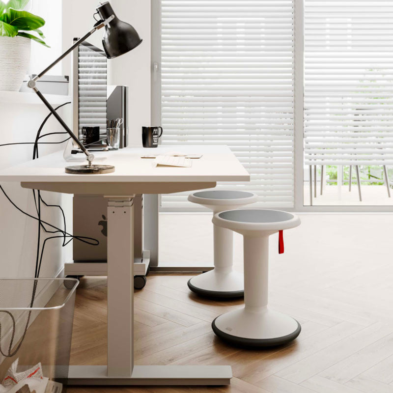 Interstuhl Upis1 ergonomic stool, elegant white