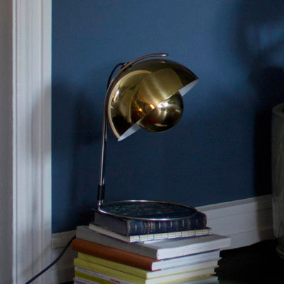 &Tradition VP4 Flowerpot table lamp, polished brass