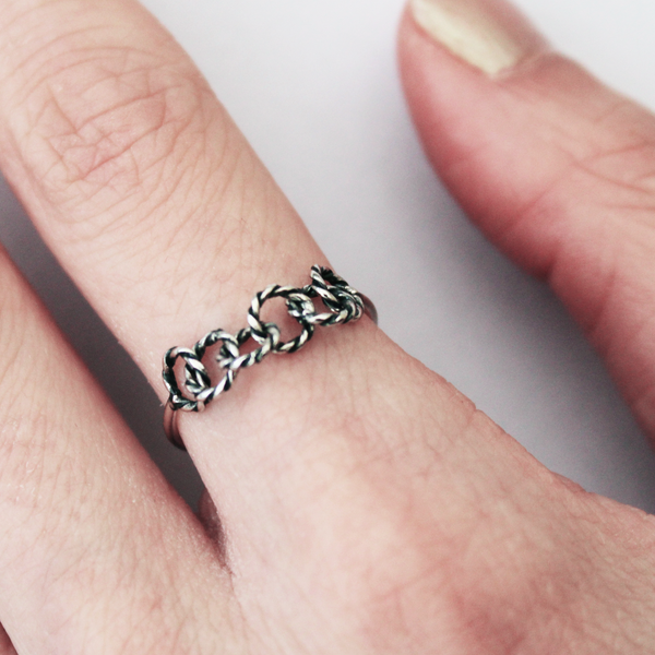 sterling silver circle link rope ring - Jenems