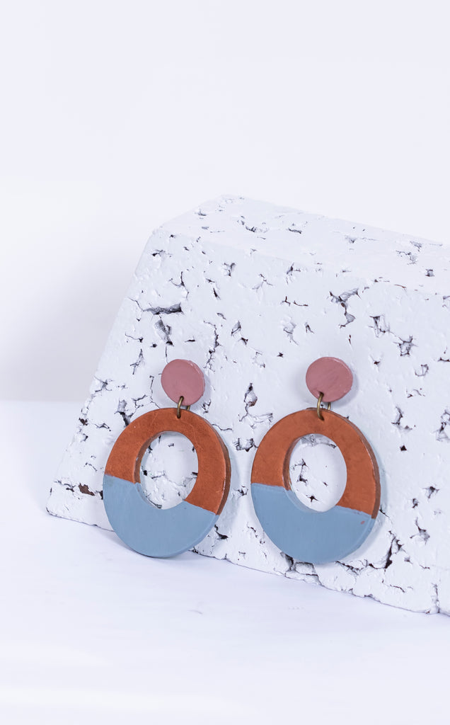 Earring:Two Tone Disc With Cut Out