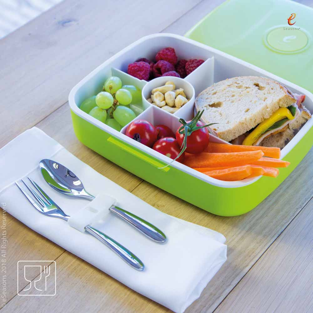 Gorgeous food photography: eSeasons Bento Lunchbox in Green with appetizing lunch including carrot, fruit & sandwich