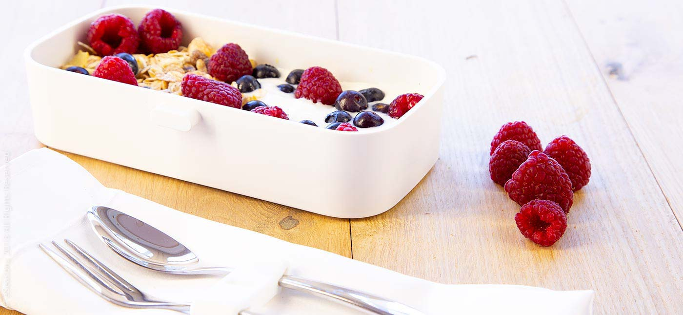 Gorgeous food photography: eSeasons Bento Lunchbox in White with luxury breakfast of muesli yoghurt and raspberries