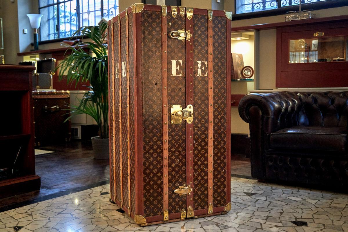 A Singular Bernardini Humidor Bar in a rare vintage Louis Vuitton monogram Trunk