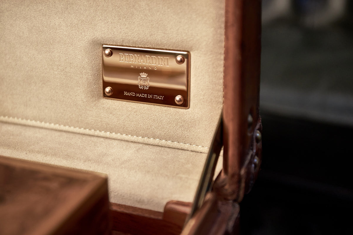 Humidor handmade in Italy with Elm Burl Wood - very rare Louis Vuitton 1930's monochrome suitcase