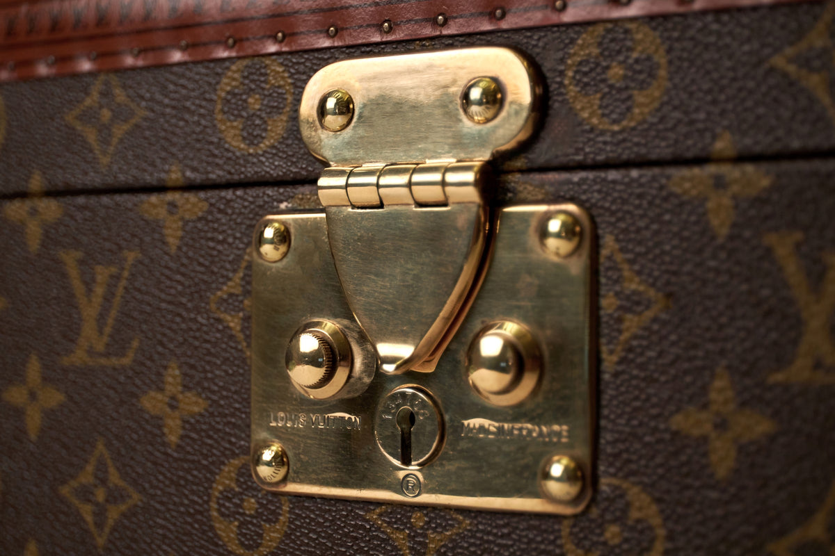 A singular Bernardini Jewellery Holder in a vintage Louis Vuitton 1970's Boite à bouteille