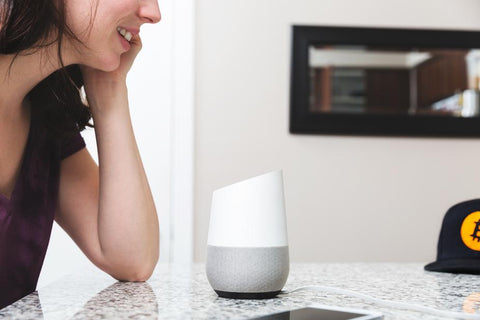 talking-to-smarthome-assistant-device