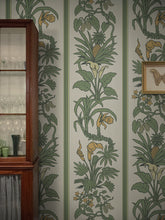 Load image into Gallery viewer, Botanize Heritage 'Palm Green'