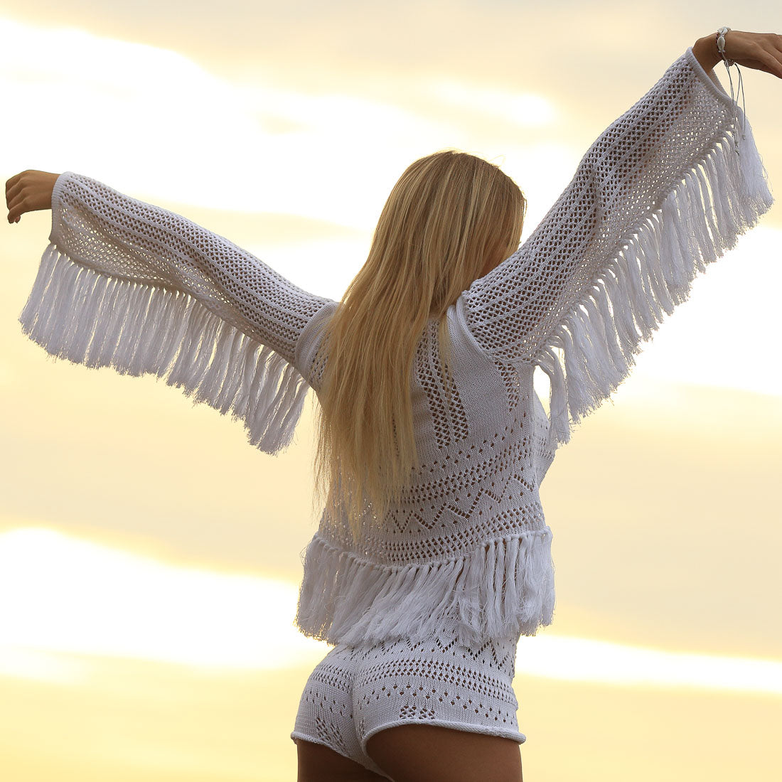 SPLENDOUR_fringed_jumper_white