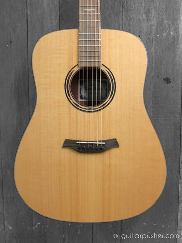 Baton Rouge AR11C/D Dreadnought Cedar - LEFT HAND