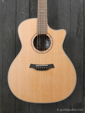 Baton Rouge AR81C/ACE Grand Auditorium Acoustic Guitar with Shadow BR2P with Gigbag - GuitarPusher