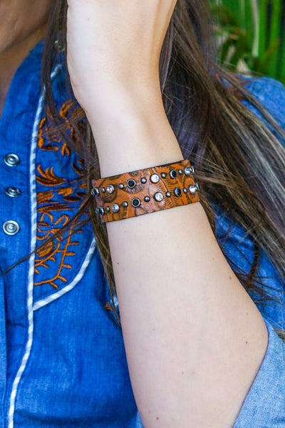 00925   Shellee Brown Tooled Leather Cuff
