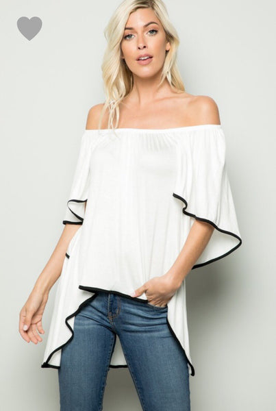 1043  Flowy Knit Top w/ Contrast Piping