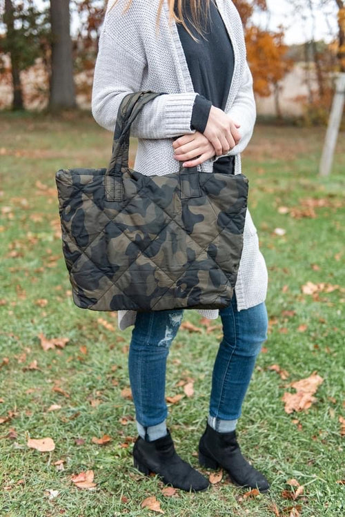 31125    Camo Quilted Tote Bag
