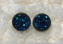 Druzy stud earrings in an antique brass setting, 12mm