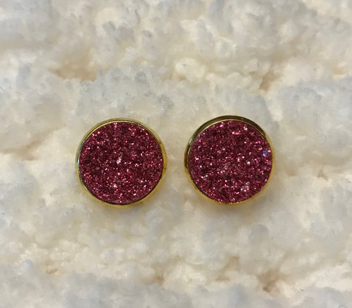 Druzy stud earrings in a gold setting, 12mm