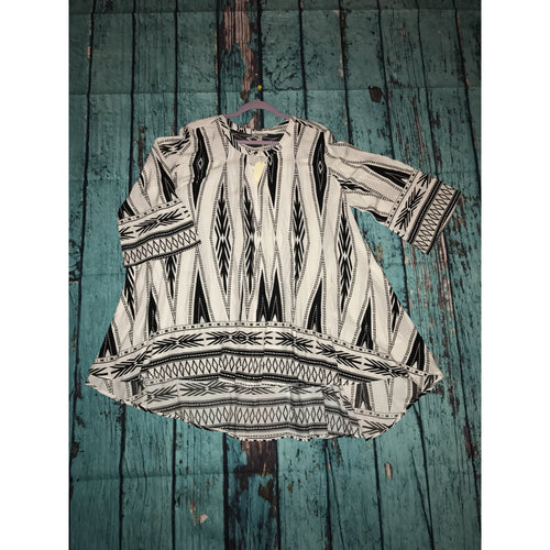 Black and white print keyhole tunic S-L