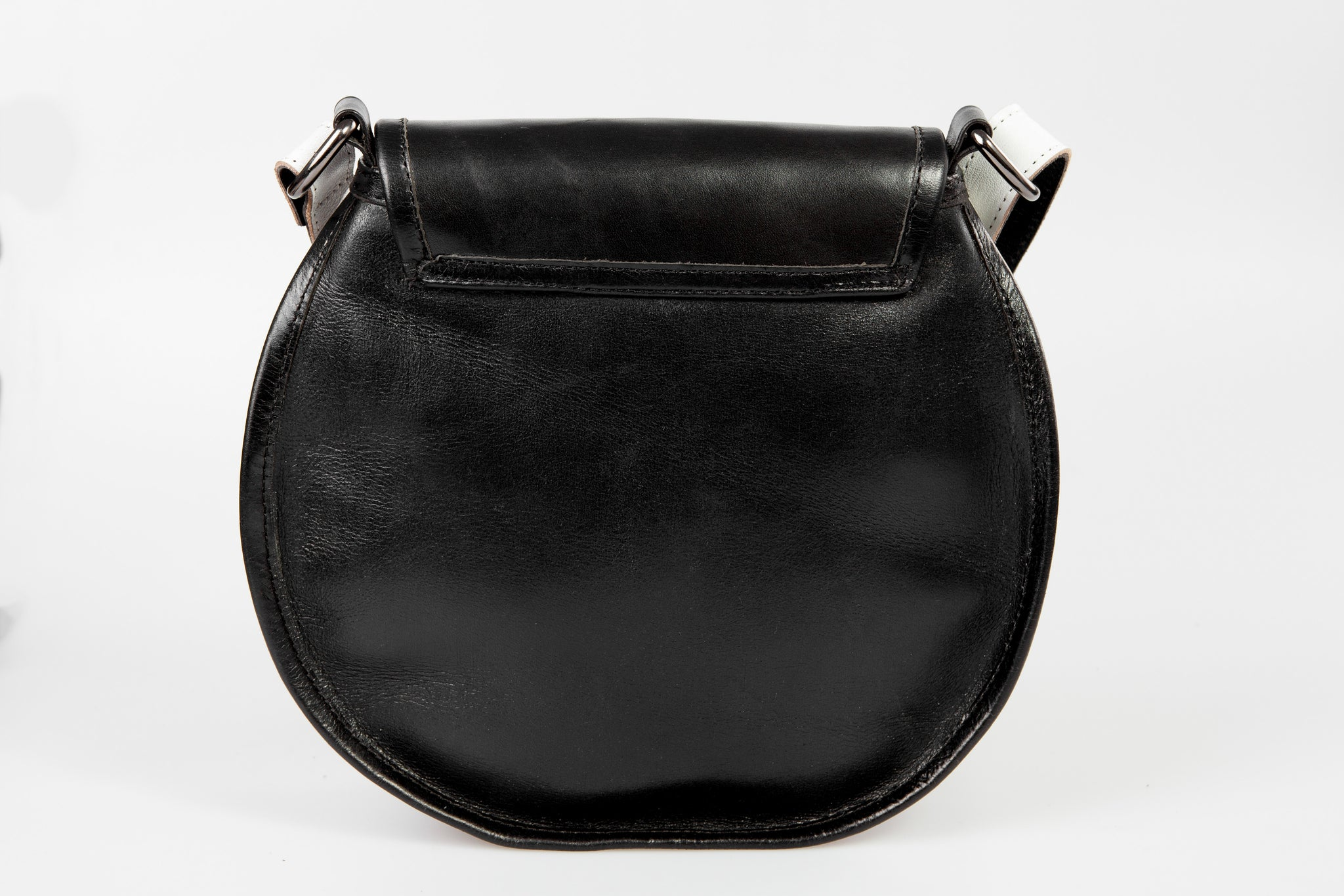 first of June, djawa, handbag, vegetable tanned leather, leather, leather bag, handmade, leather fashion