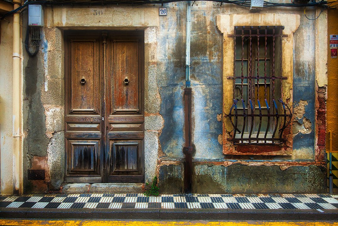 Street side door cropped thumbnail