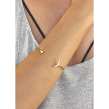 Load image into Gallery viewer, Dainty Moon & Star Crystal Bracelet