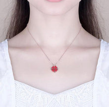 Load image into Gallery viewer, Heart Crystal Necklace