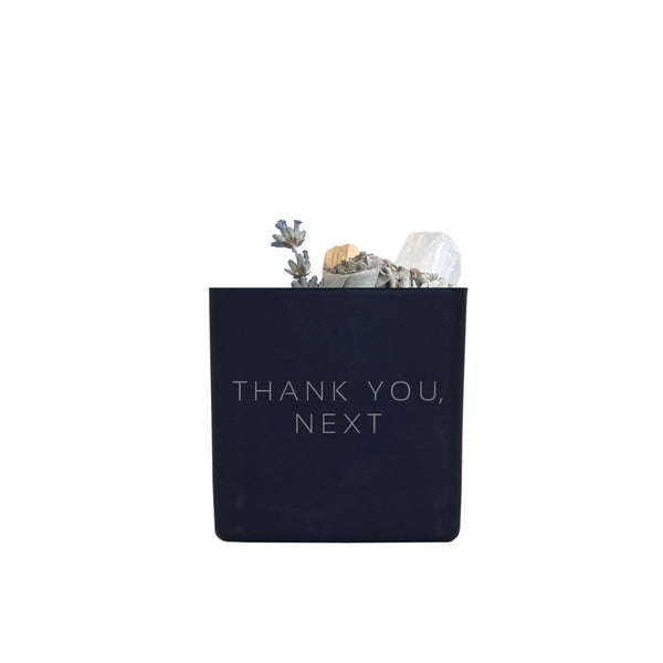 THANK YOU, NEXT SMUDGE KIT