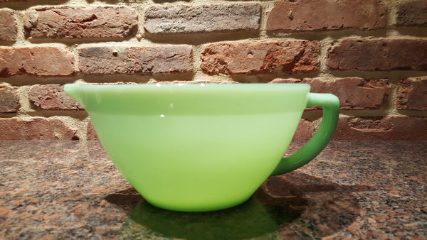 Vintage Fire King Jadeite Batter Bowl With Pour Spout and Handle Made in USA