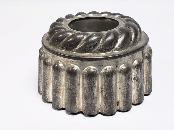 Vintage Fluted Tin Desert Mold