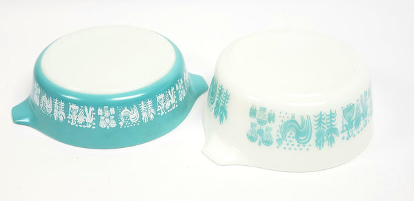 "Pyrex Amish ""Butterprint"" Turquoise & White Casserole Dishes with Lids  471 & 472"