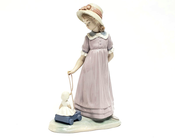 Girl With Toy Wagon, Retired Porcelain Figurine 1978 by Lladro