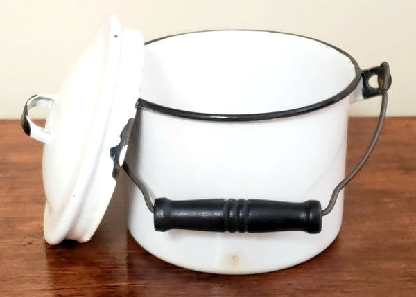 "Vintage 5"" Seamless Small White Enameled Berry Bucket w/ Lid and Bail Handle"
