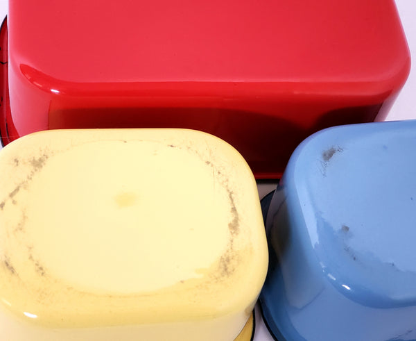 Mid Century Enameled Refrigerator Dishes w/ Glass Lids - Set of 3 by Beco Ware