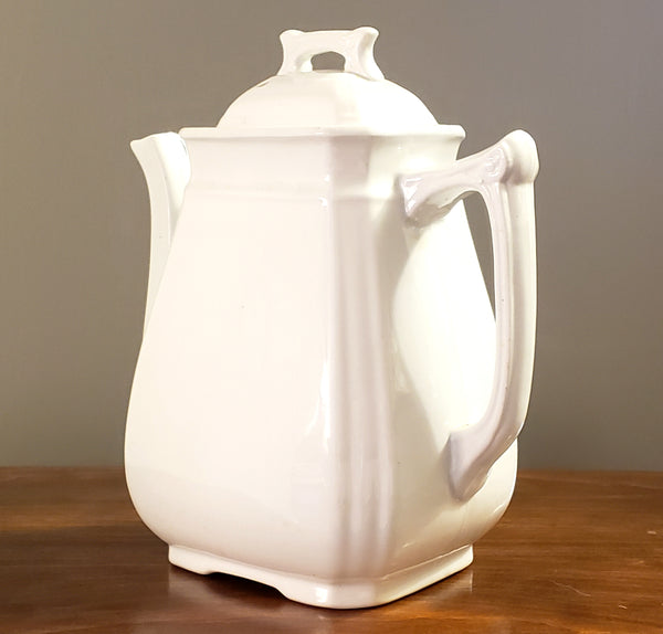 Antique English White Royal Ironstone Teapot by Alfred Meakin England c. 1875-1897