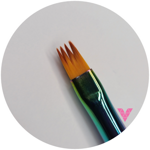#1 Nailart Rainbow Brush