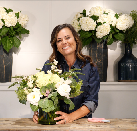 How To Create A 5 Step DIY Floral Arrangement