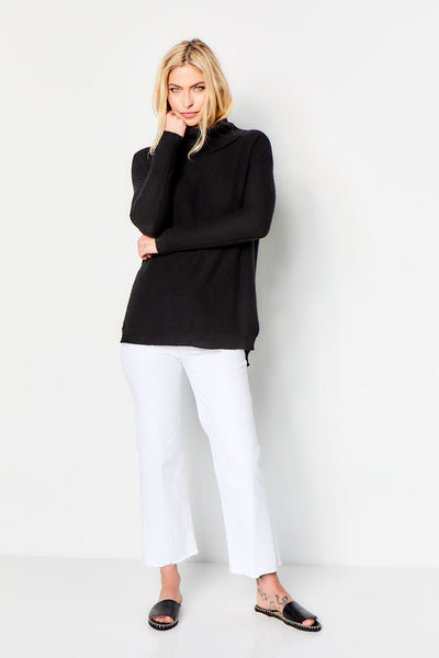 Turtle Neck Cashmere Sweater - Black