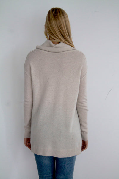 Turtle Neck Cashmere Sweater - Snow