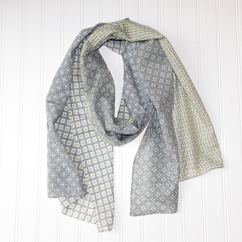 Chloe Geo Floral Scarf - Gray Lime